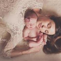 Amy Snipes Newborn Photographer - profile picture