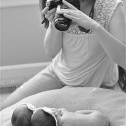 Kellie Parry Newborn Photographer - profile picture