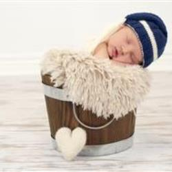 Linda Krehbiel Newborn Photographer - profile picture